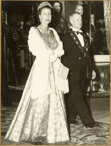 Queen Elizabeth II and Geoffrey Tremaine, Mayor of Palmerston North