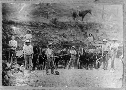 Labourers in Metal Pit, Pohangina District