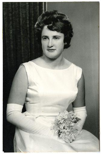 Maren Fraser, debutante