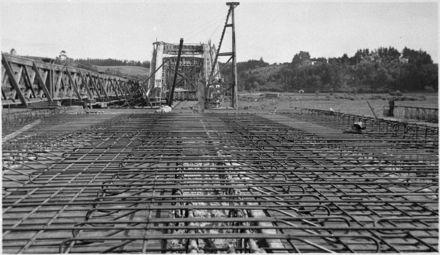 Construction of Fitzherbert Bridge