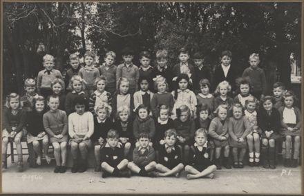 Terrace End School - Primer 1, 1944
