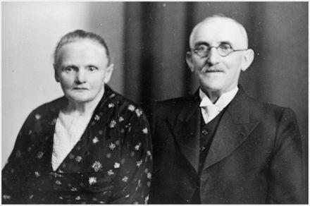 Mr and Mrs Olsen - Scandinavian Settlers