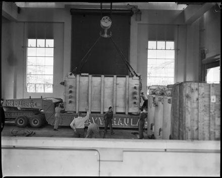 """Heavy Lift Arrives at Bunnythorpe"""