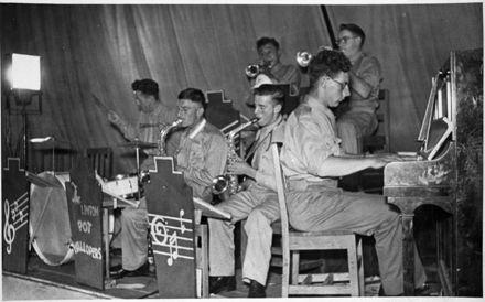 Linton 'Pot Wallopers' band