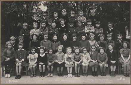 Terrace End School - Primer 4, 1944