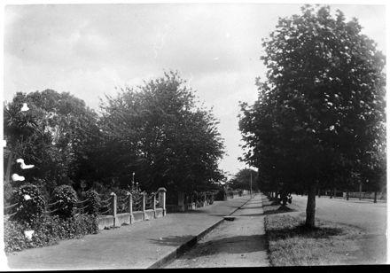 Esplanade street frontage, Fitzherbert Avenue