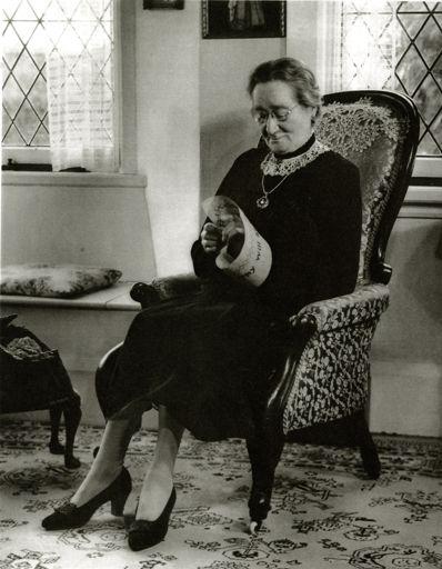 Mrs Susan Knight doing needlwork, Palmerston North