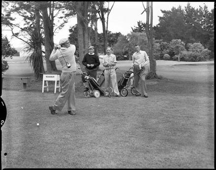 """Hokowhitu Labour Day Golf Tournament"""