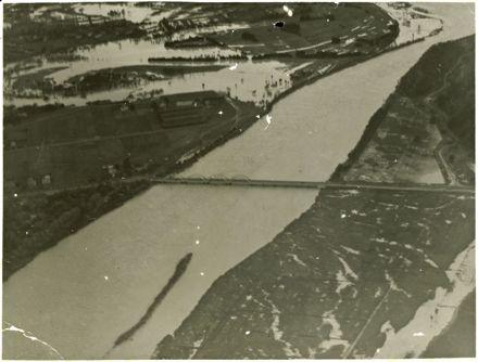 Manawatu River in flood
