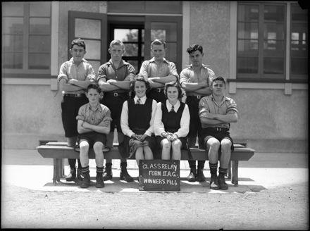 Class relay team, Palmerston North Intermediate School