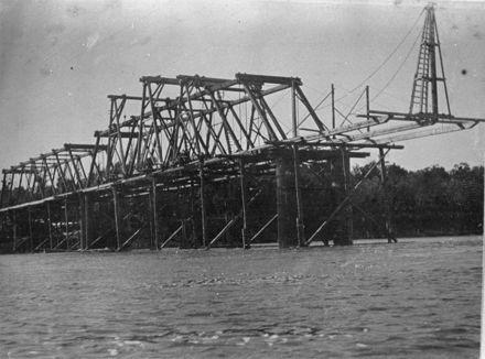 Ashhurst Bridge under construction