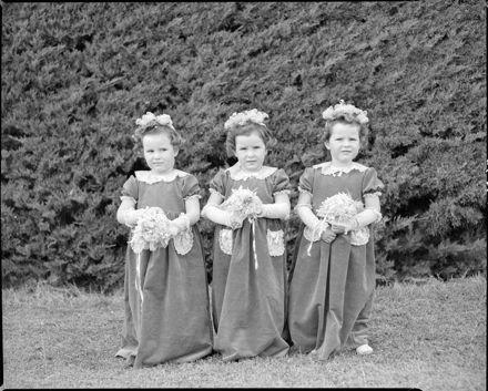Unknown wedding, flower girls