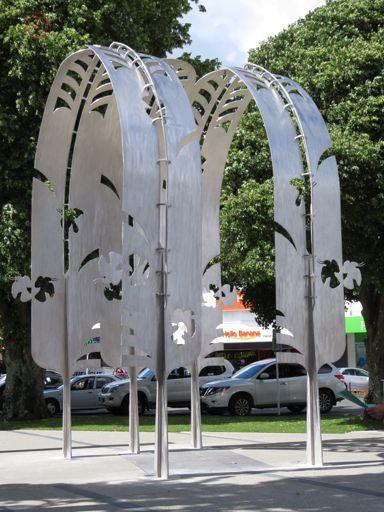 Nga Huruhuru Rangatira public sculpture