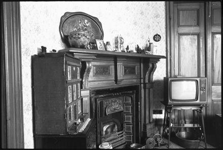 Fireplace of 'Kaingahou', 642 Pioneer Highway