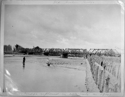 Old bridge over the Oroua River at Awahuri