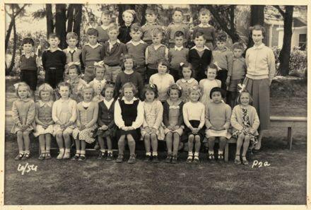 Terrace End School - Primer 2a, 1954