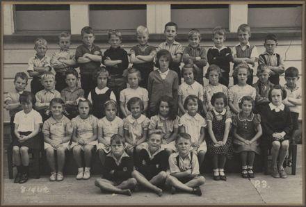 Terrace End School - Primer 3, 1942