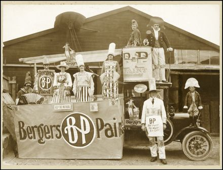 Bergers Paint Float - Silver Jubilee Parade
