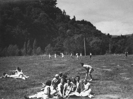Watchhorn's staff picnic, Pohangina