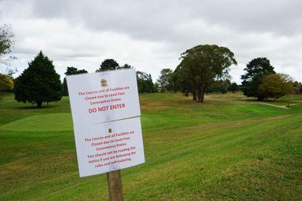 COVID-19 Closure Sign – Palmerston North Golf Club