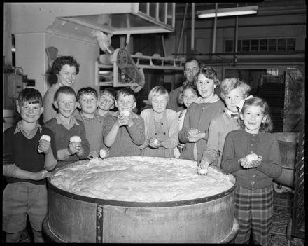 """Careful Examiners"" -- School visit to Boniface Bakery"