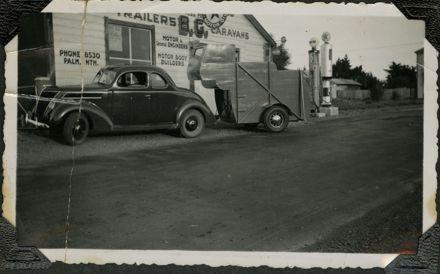 Car and horse float at Bunnythorpe Garage
