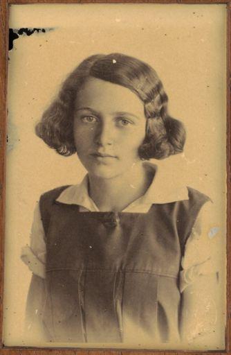 Effie Maunder - Terrace End School Dux, 1934