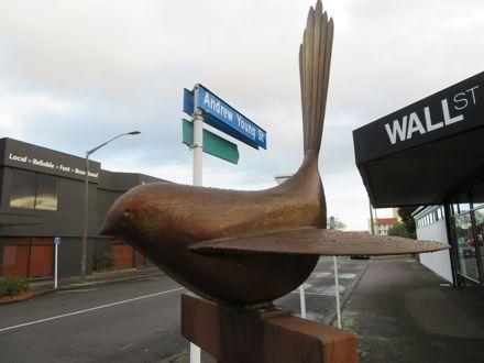 Bird sculpture by Paul Dibble (2)