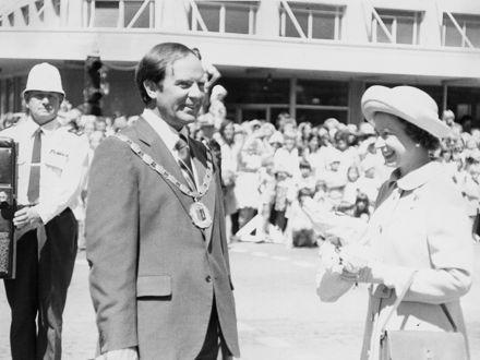 Queen Elizabeth II with Brian Elwood, Mayor of Palmerston North