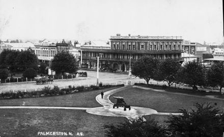Panorama of the Square, 1915 5