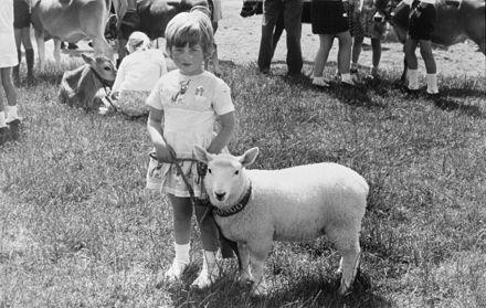 Jan Oden and lamb at Whakarongo School Calf Club Day