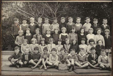 Terrace End School - Primer 4, 1933