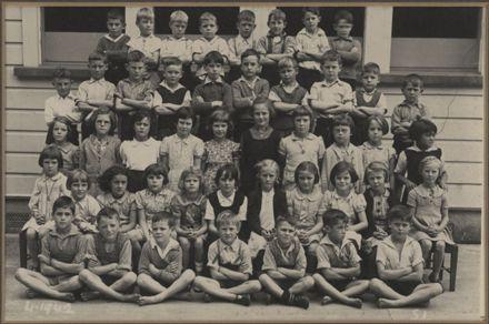 Terrace End School - Standard 1, 1942