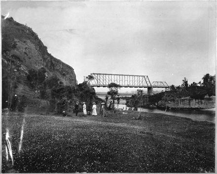 Picnic below the Ballance Bridge, near Woodville