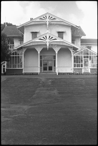 Caccia Birch House front entrance