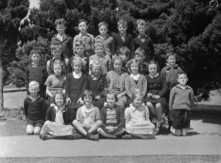 Central School class photo