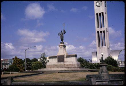 War Memorial, The Square