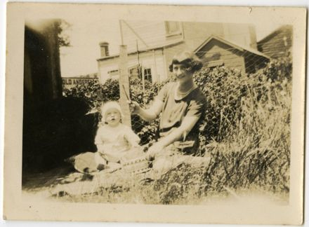 Andrews Collection: Woman and Baby