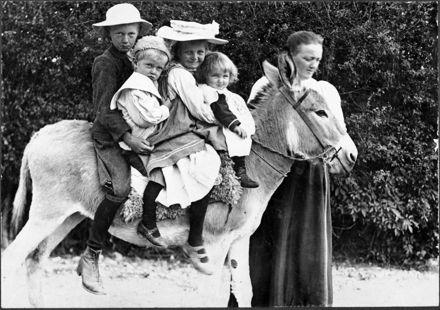 Clausen children of Foxton Line