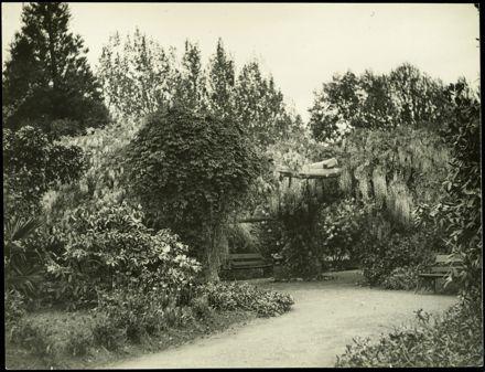 Pergola, Victoria Esplanade Gardens