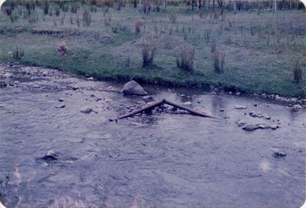 Cast iron pipe, Kahuterawa Stream