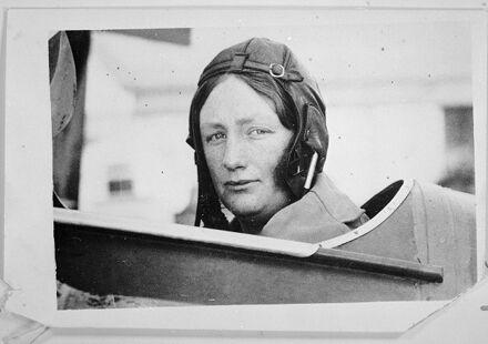 Aroha Clifford, pilot