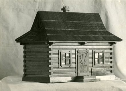 Miniature mountain hut from Polish soldier