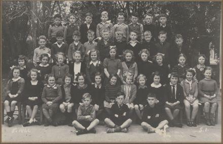 Terrace End School - Standard 1, 1944