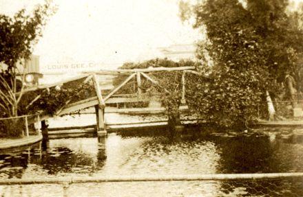 Lakelet Bridge, The Square