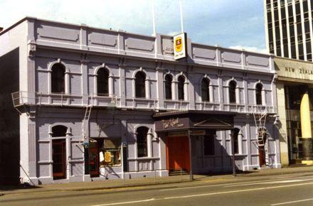 The New Royal Tavern [Royal Hotel]