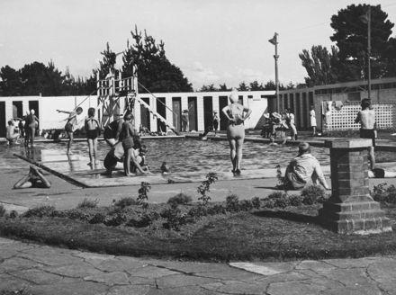 Pupils swimming in Hokowhitu School baths.