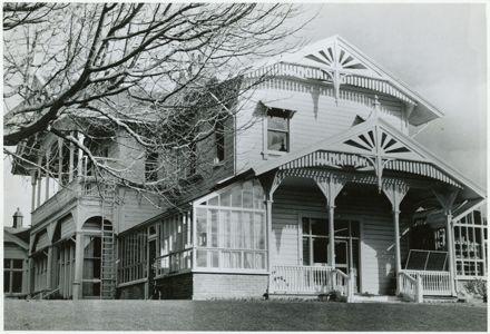 Caccia Birch House, Te Awe Awe Street