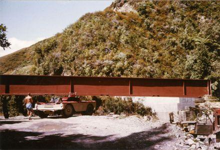 Rebuilding Black Bridge, Kahuterawa