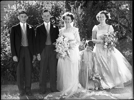 Bissett wedding group, Pahiatua